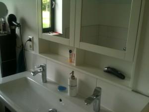 Waschtisch_Spiegelschrank